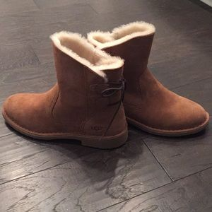 Ugg Naiyah chestnut size 10 never worn authentic
